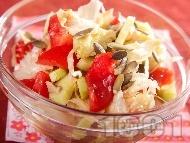 Салата с айсберг, домати и маслини